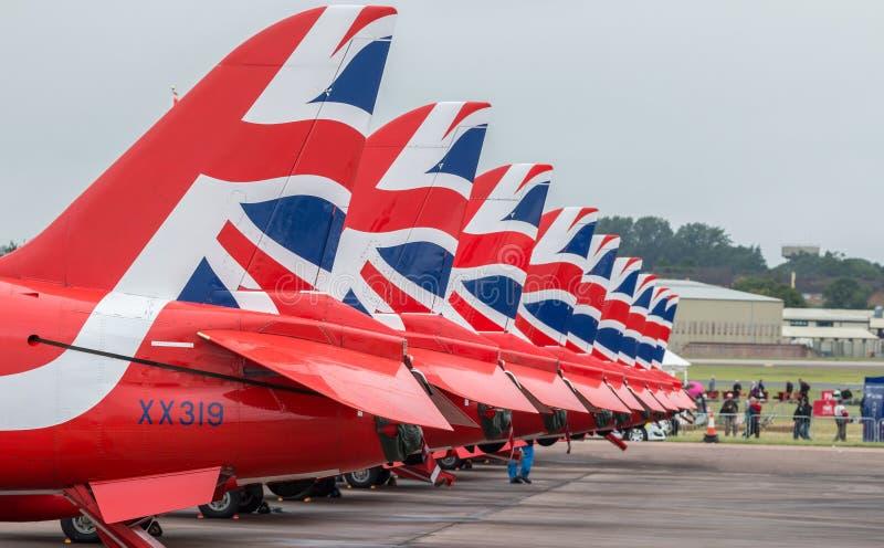 RAF Red Arrows 2016 skärmlag - flygplansvansar fotografering för bildbyråer