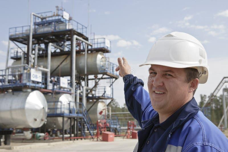 raffinaderi för olja för teknikergas industriellt royaltyfria bilder