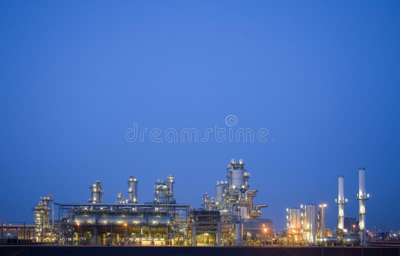 Raffinaderij bij nacht 3 royalty-vrije stock afbeeldingen