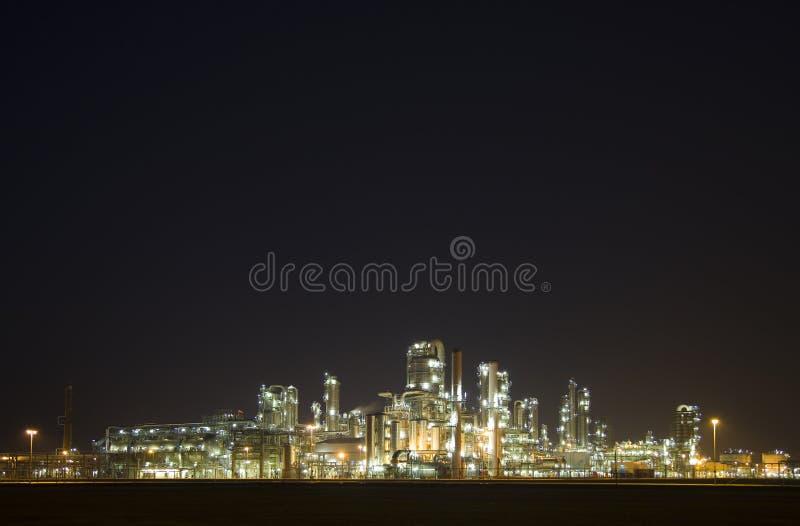 Raffinaderij bij nacht 7 royalty-vrije stock afbeelding