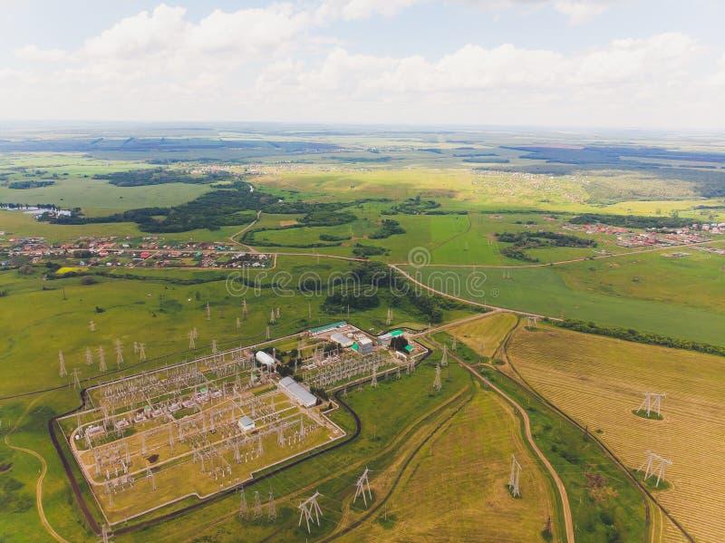 Raffinaderij van aardolie, raffinaderij, raffinaderijfabriek royalty-vrije stock afbeeldingen