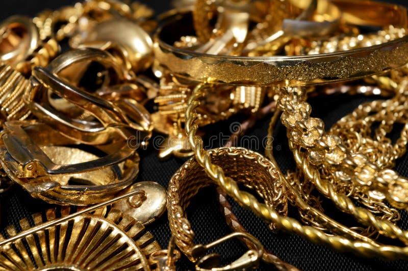 Raffinazione dell'oro del residuo fotografie stock
