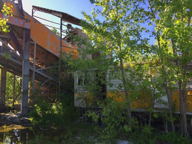 Raffineria abbandonata 08 della roccia fotografie stock