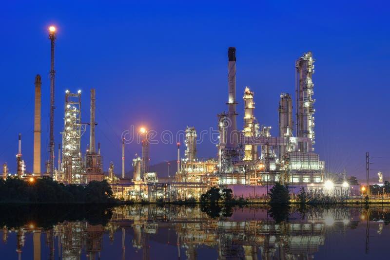 Raffineria del gas e del petrolio immagini stock libere da diritti