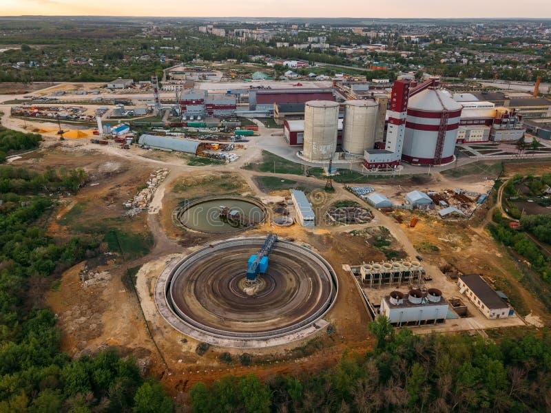 raffineria di calcare industriale, vista aerea immagine stock