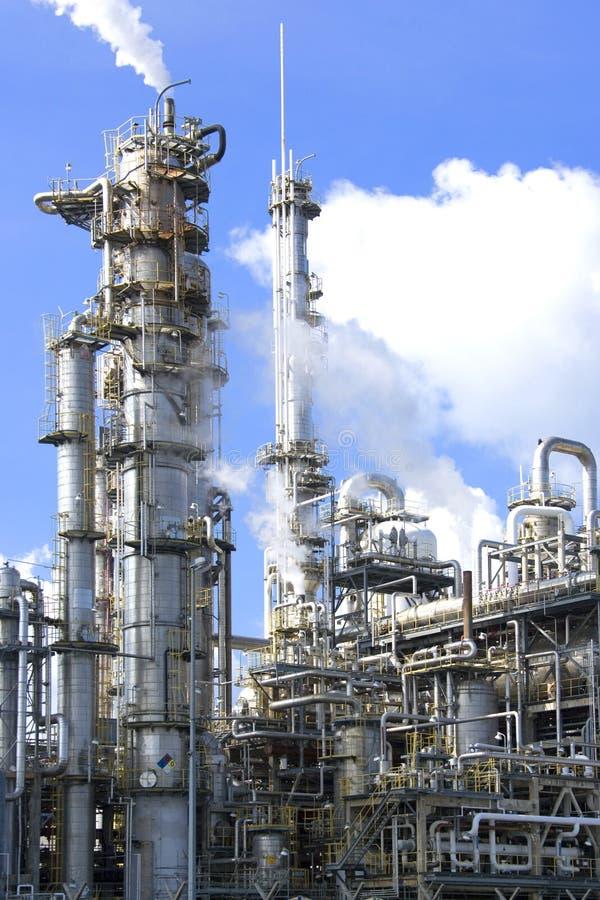Raffineria di petrolio fotografie stock libere da diritti