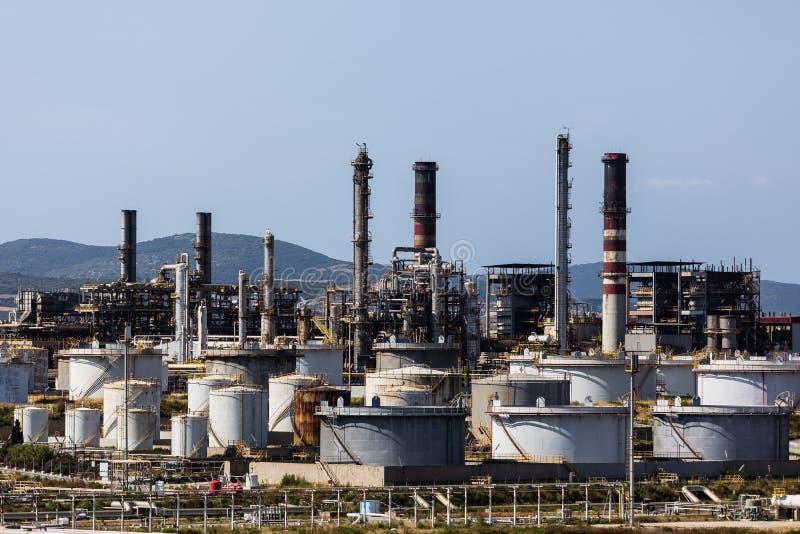 Raffineria di petrolio del porto immagini stock libere da diritti