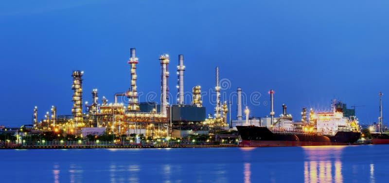 Raffinerie. lizenzfreies stockfoto