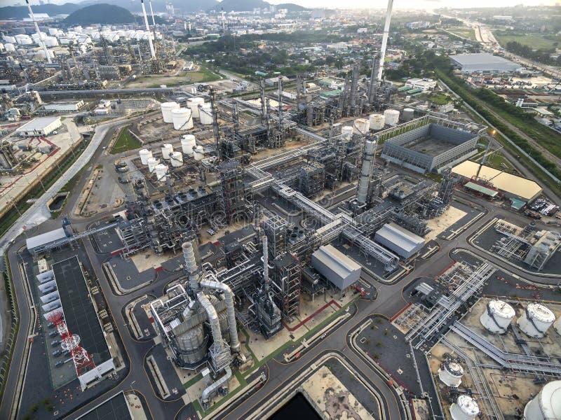 Raffinerie de pétrole, port pétrolier, bateau de pétrolier à photo libre de droits
