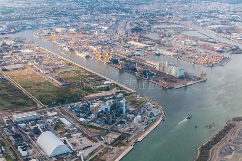 Raffinerie de Porto Marghera. l'Italie. photographie stock libre de droits