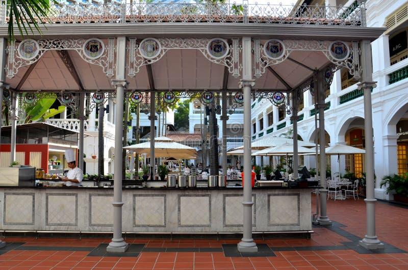 Download Raffles Hotel Courtyard Bar And Restaurant Singapore Editorial Photo - Image of metal, grey: 39510116