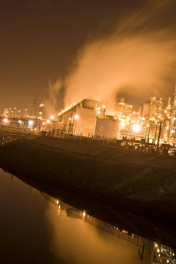 rafinerii ropy naftowej rzeka fotografia stock