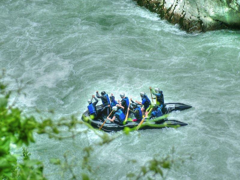 rafting arkivfoton