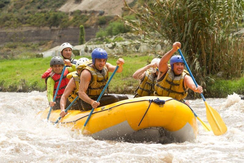 Rafting för Ecuador Whitewater flod arkivfoton