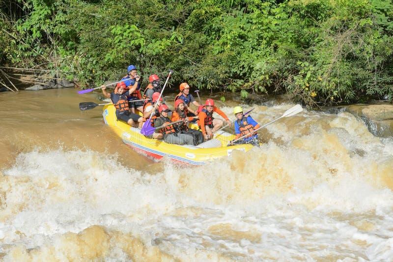 Rafting op de rivier Khek in Phitsanulok, Thailand stock afbeelding