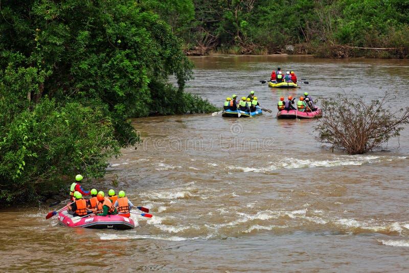Rafting in rivier van noordelijk Thailand stock foto