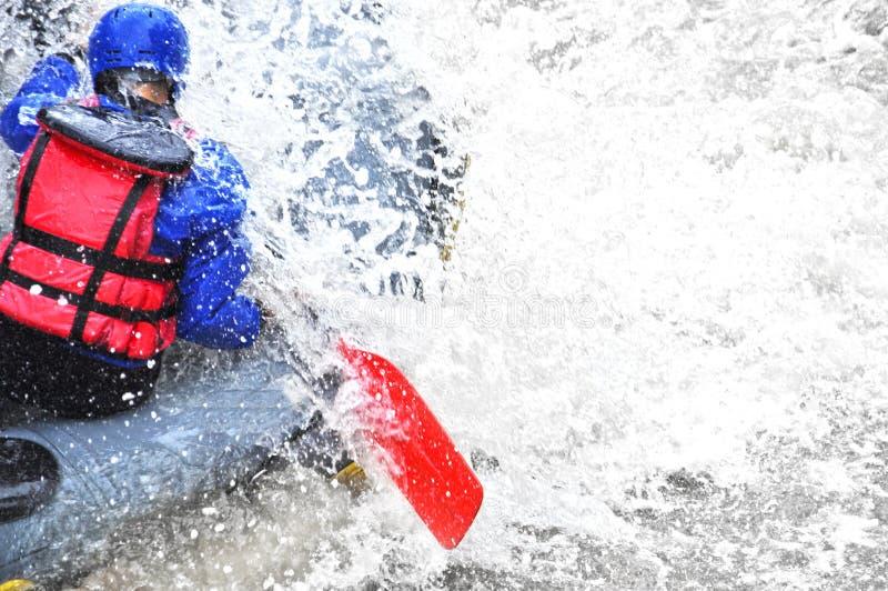 Rafting som extrem och rolig sport royaltyfri foto