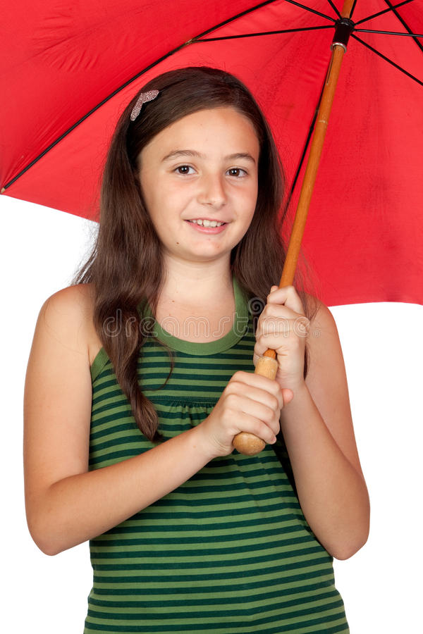 Ragazza abbastanza teenager con un ombrello rosso immagini stock