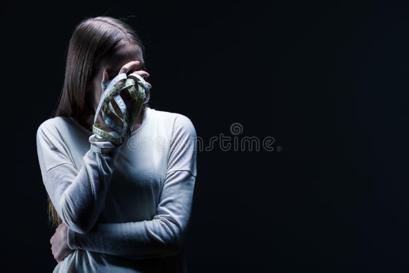 Ragazza anoressica e dieta fotografie stock libere da diritti