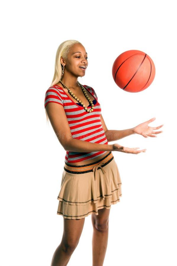 Ragazza attiva di pallacanestro immagine stock libera da diritti