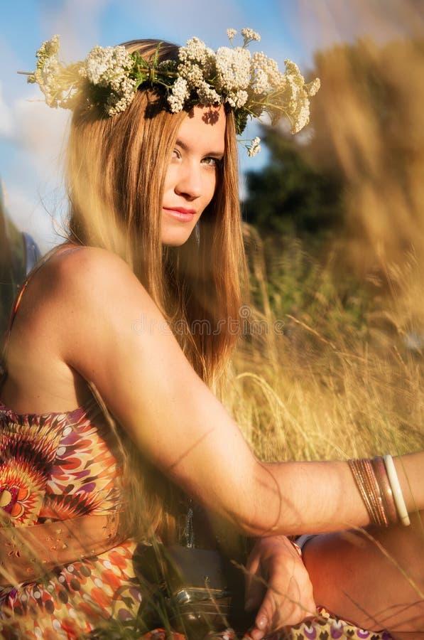 Ragazza attraente di hippy fotografie stock libere da diritti