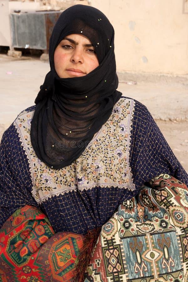 Ragazza beduina in città antica di Palmira - la Siria fotografie stock