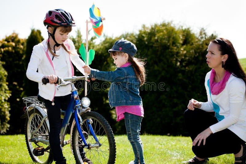 Ragazza Biking immagine stock