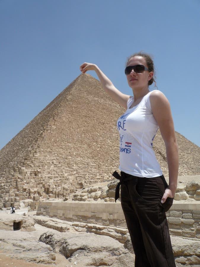 Ragazza che gioca a Giza immagini stock
