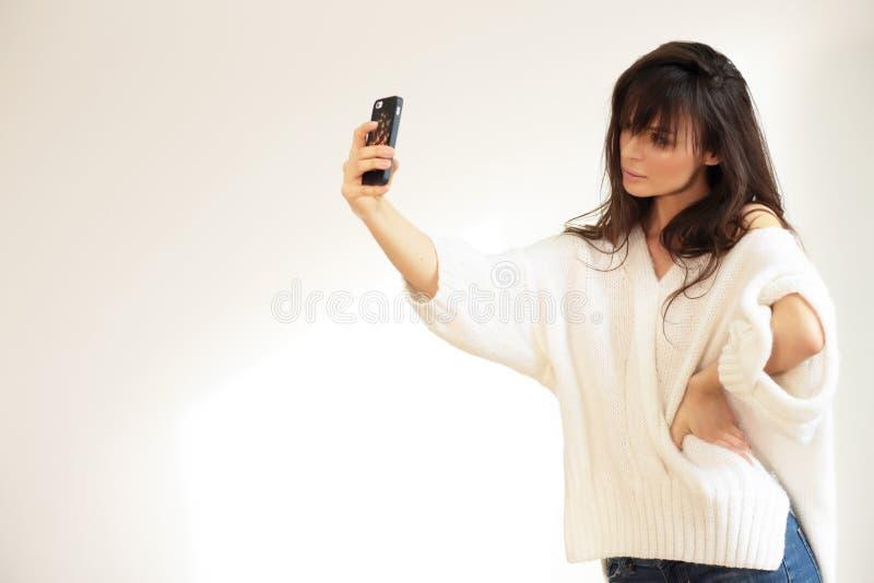 Ragazza che prende selfie fotografia stock libera da diritti