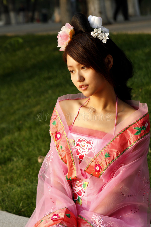 Ragazza cinese in vestito antico fotografia stock libera da diritti