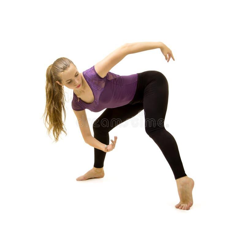 Ragazza con capelli lunghi che ballano balletto moderno fotografia stock