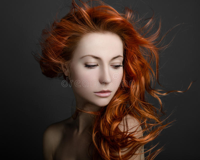 Ragazza con capelli rossi fotografie stock
