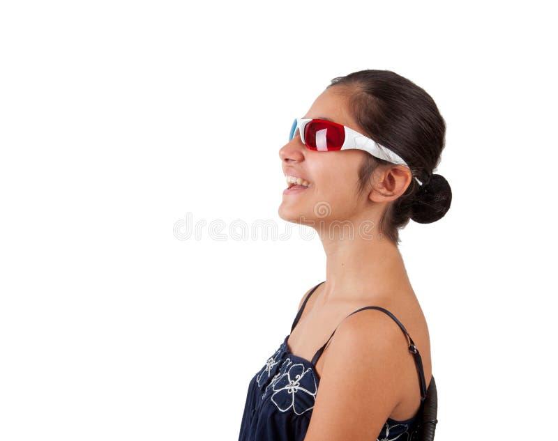 Ragazza con gli occhiali tridimensionali fotografia stock for Immagini tridimensionali gratis