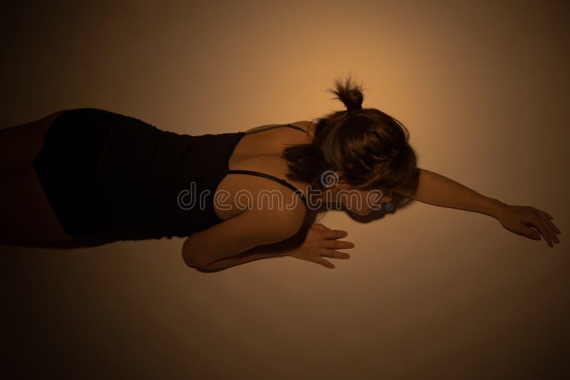 ragazza con la palpebra del unico popolare fotografie stock
