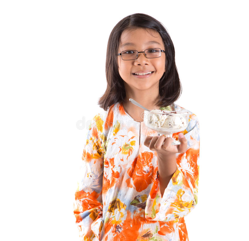 Ragazza con una ciotola di gelato XI fotografie stock