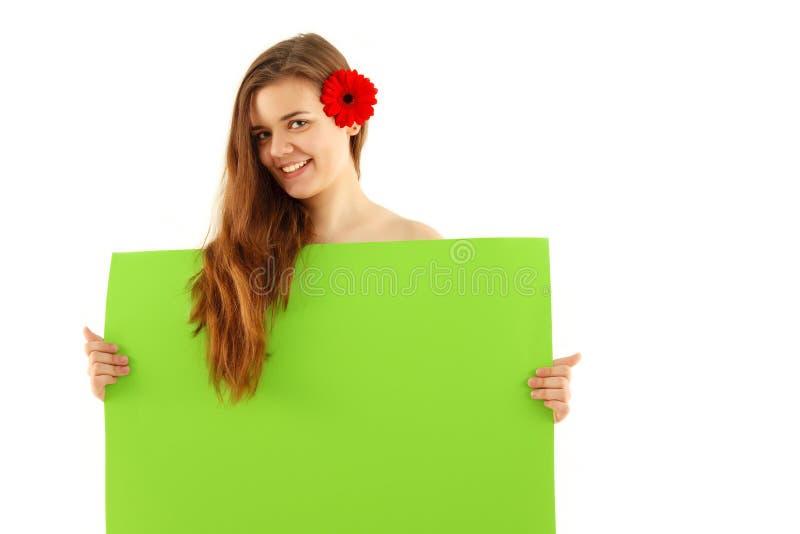 Ragazza dell'adolescente della stazione termale che tiene emp verde fotografia stock