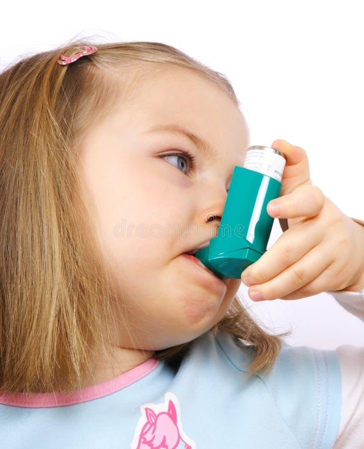 Ragazza di Astmatic fotografia stock