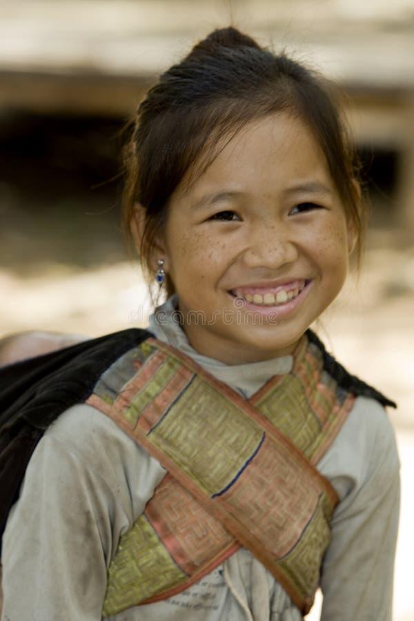 Ragazza di Hmong con il fratello, Laos immagine stock libera da diritti