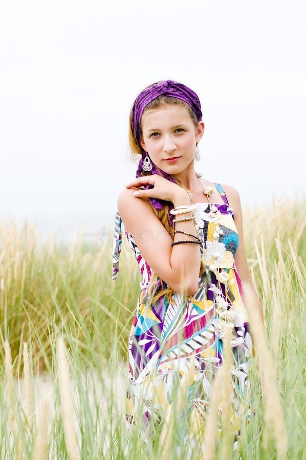Ragazza di modello sulla spiaggia fotografie stock