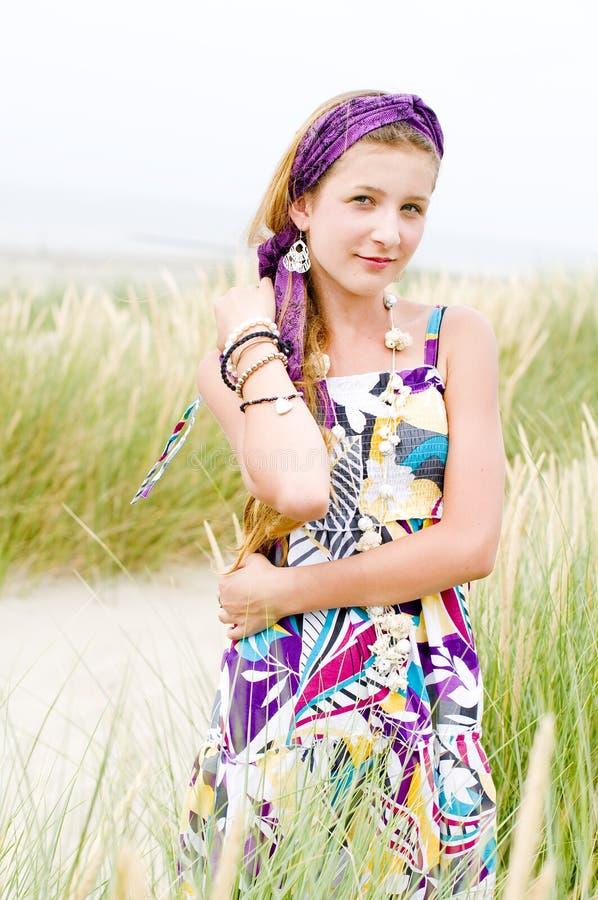 Ragazza di modello sulla spiaggia fotografie stock libere da diritti