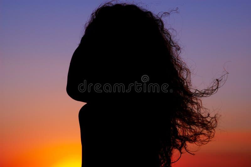 Ragazza di tramonto fotografia stock