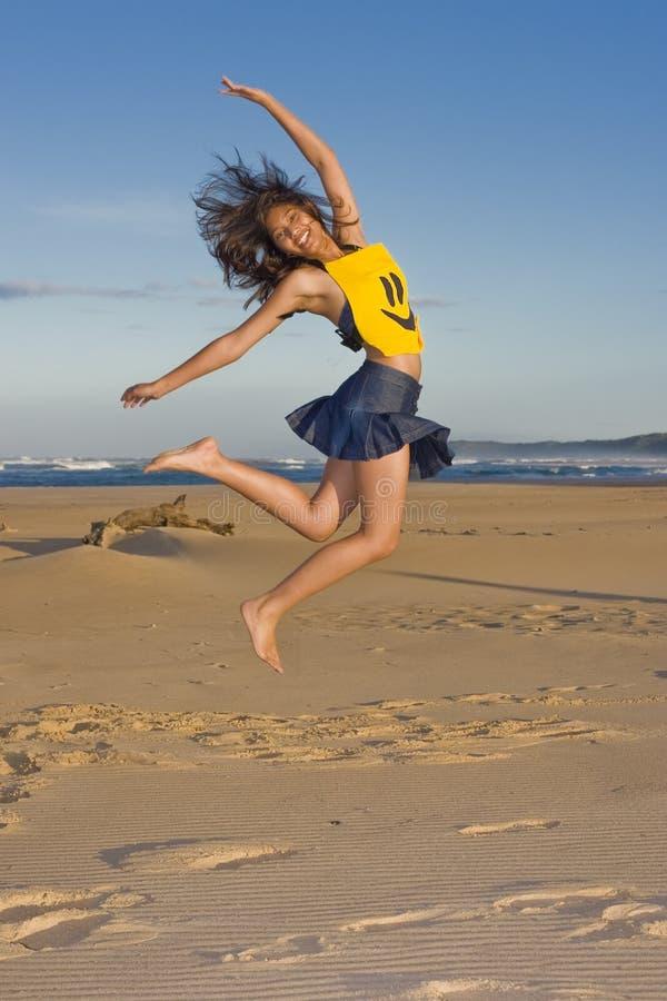 Download Ragazza felice immagine stock. Immagine di faccia, intrattenga - 3877195
