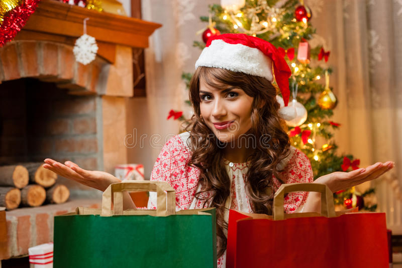 Ragazza felice di festa di Natale immagine stock
