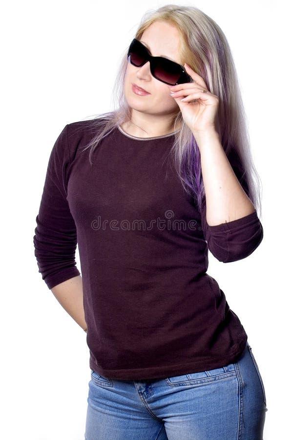 Ragazza graziosa con capelli viola immagine stock libera da diritti