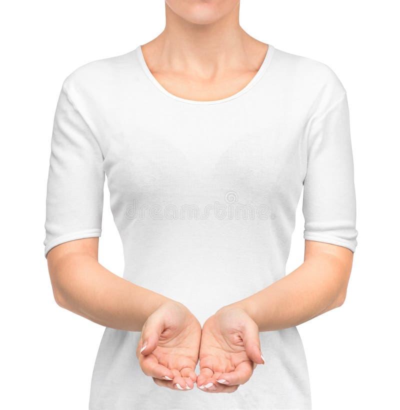Ragazza in maglietta bianca con le mani aperte fotografie stock
