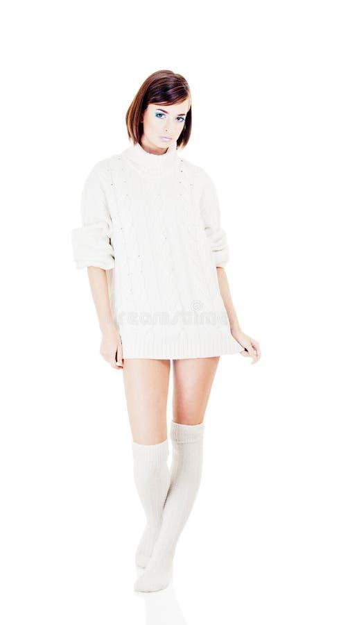 Ragazza in maglione delle lane fotografie stock libere da diritti
