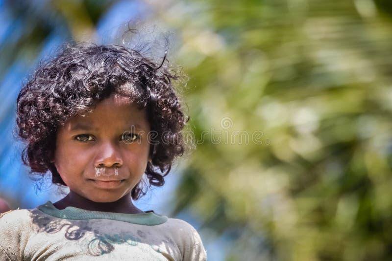 Ragazza malgascia del villaggio fotografia stock libera da diritti