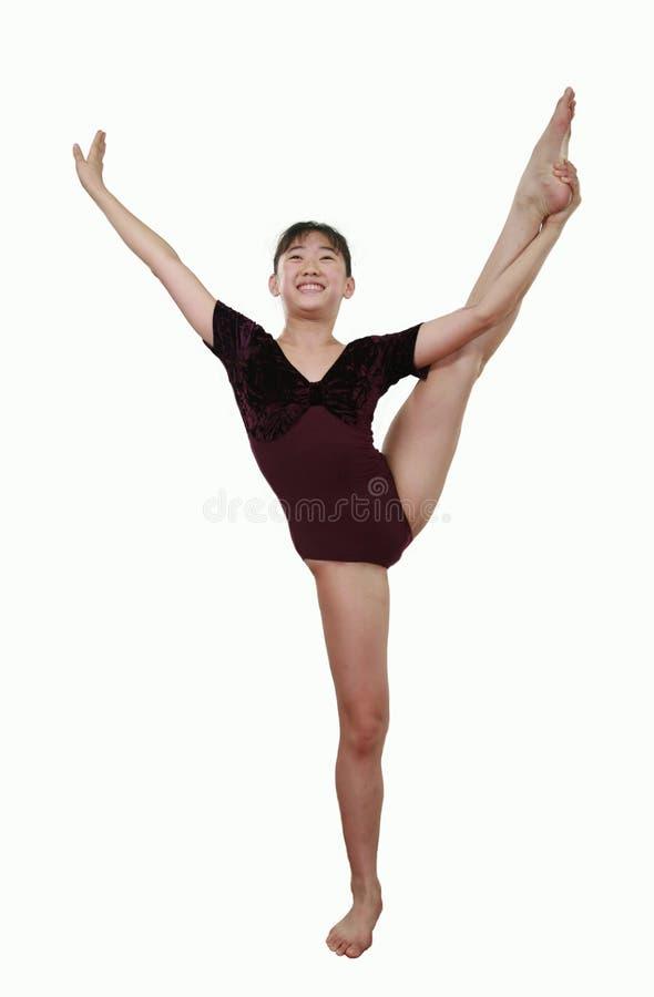 Download Ragazza Nelle Pose Di Ginnastica Fotografia Stock - Immagine di atleta, resistenza: 3136242