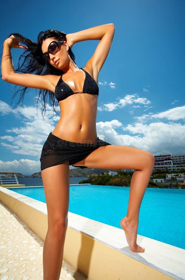Ragazza nera del bikini immagini stock libere da diritti