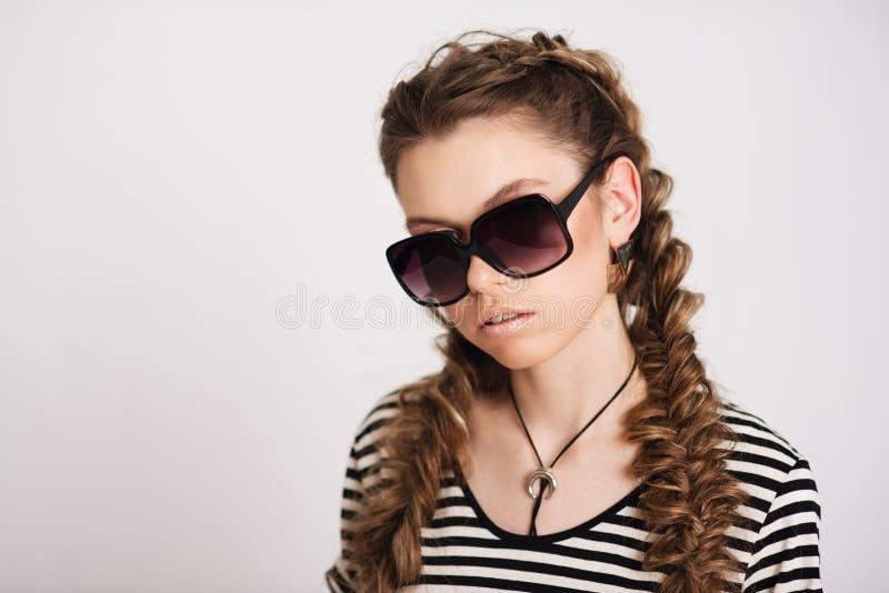 Ragazza in occhiali da sole immagini stock libere da diritti
